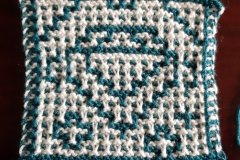 Diamond in regular garter mosaic knitting