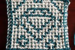 Diamond in regular garter mosaic knitting