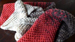 Scarf in honeycomb stitch