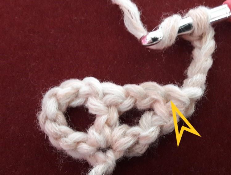 Triangular shawl in filet crochet – The Craftsteacher